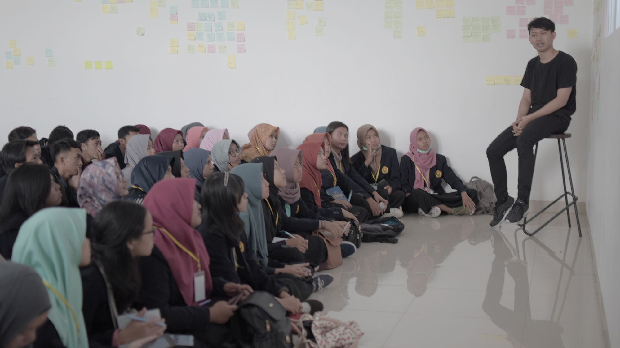 A group of Universitas Jember students visiting Assemblr office