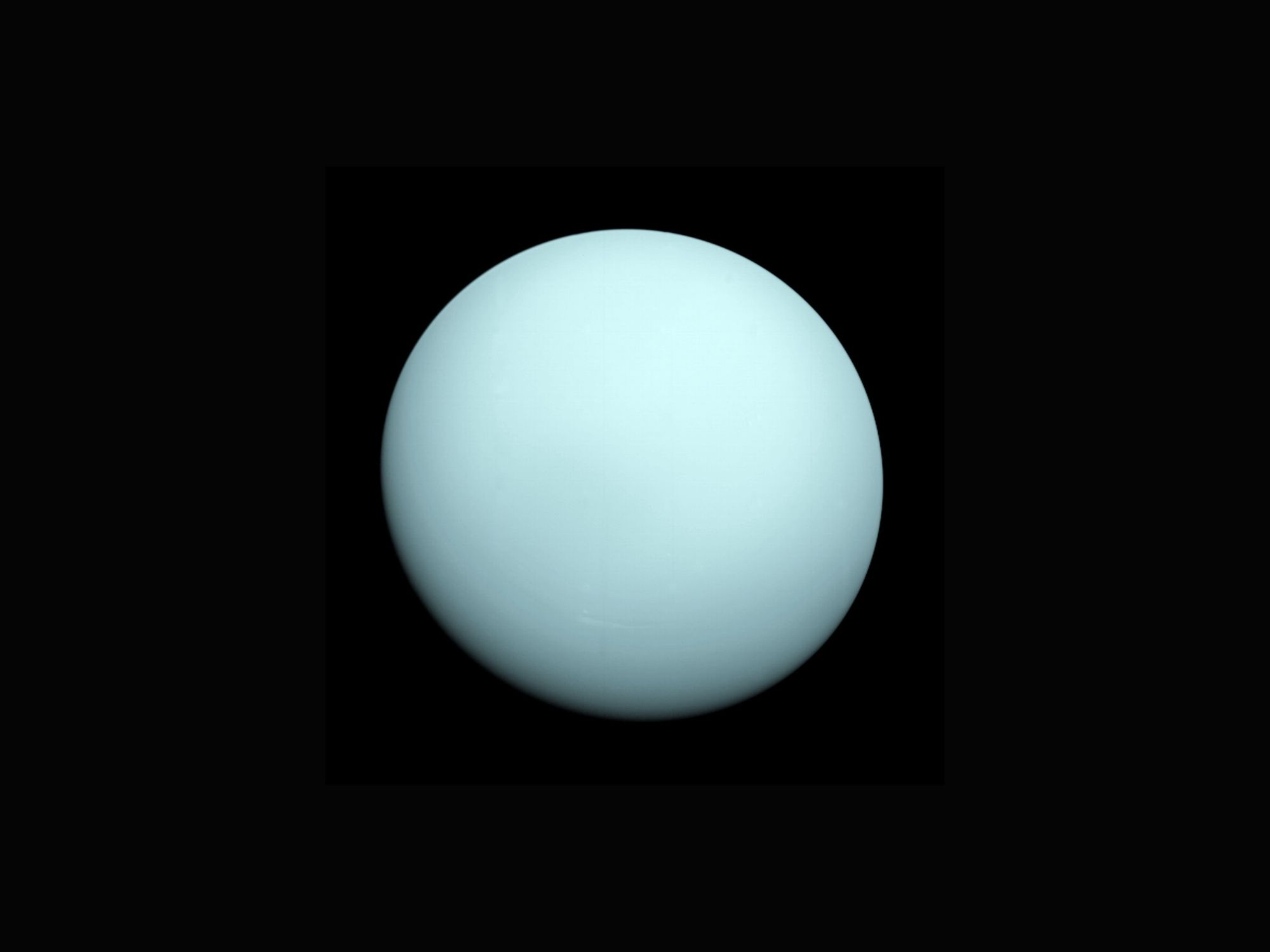 The planet Uranus seen by Voyager 2.